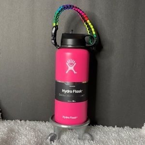 New 32 oz Pink Hydro Flask w/paracord handle